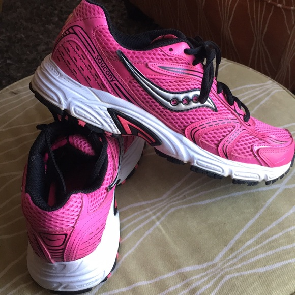 cc7f3212e98d Limited Edition Saucony Oasis Running Shoes 🎀. M_5ab57ca5a825a605ca6263f5